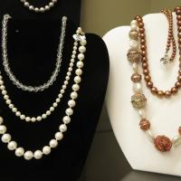 necklaces, pearls