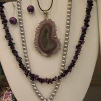 stones, necklaces